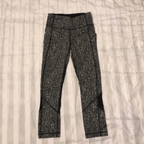 lululemon athletica Pants - Lululemon capri leggings L2-4
